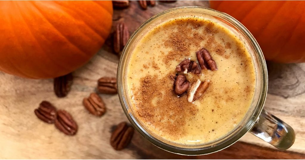 This 300-Calorie Protein Smoothie Is Like Sipping on a Slice of Pumpkin Pie