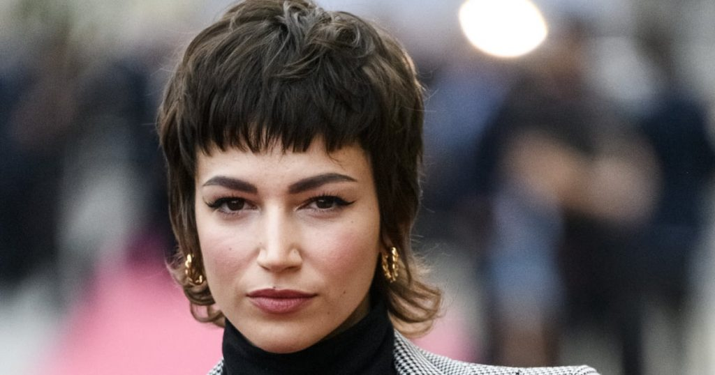 """The """"Shullet"""" Haircut Blends 2 of This Year's Most Popular Hair Trends"""
