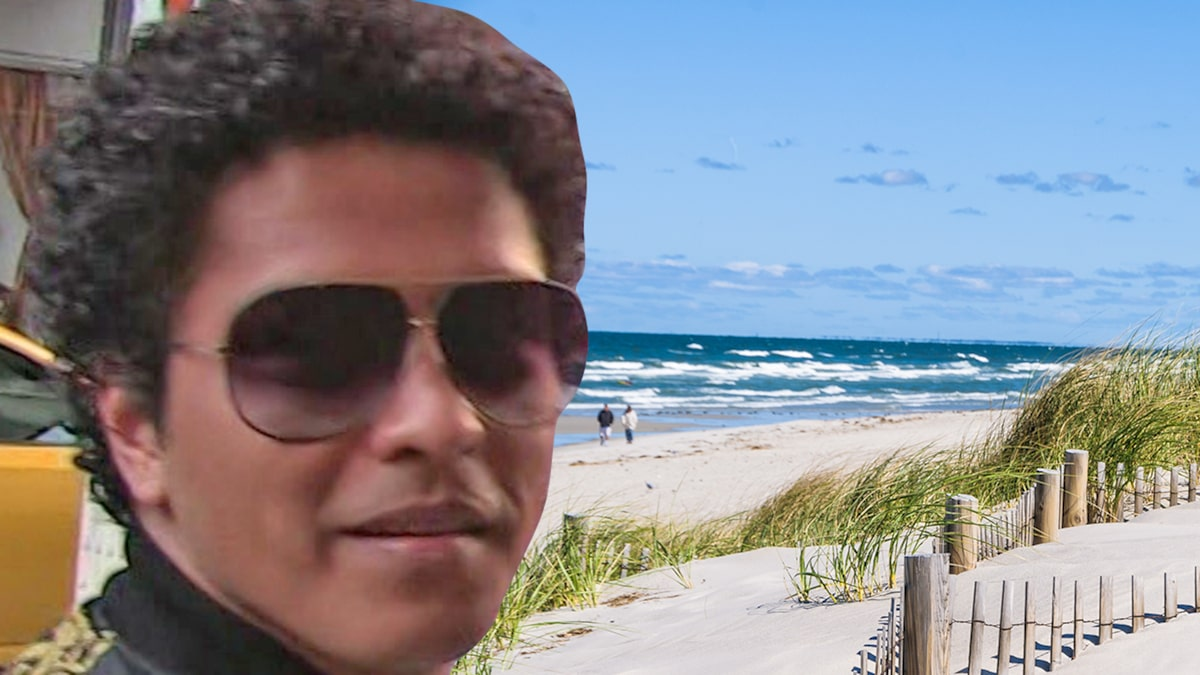 Bruno Mars to Perform at Swanky Cape Cod Wedding for Motorola CEO's Son