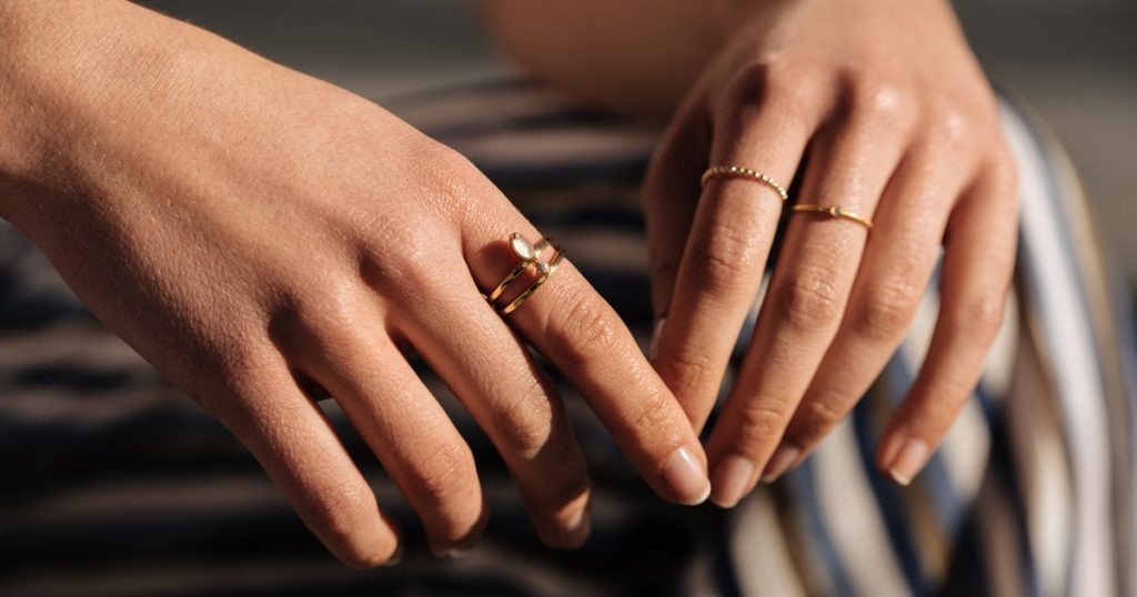 A Doctor Explains Why Your Rings May Suddenly Feel Like They Don't Fit