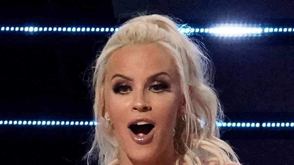 'Masked Singer' Wild Card Made Out With Jenny McCarthy, Guess Who!