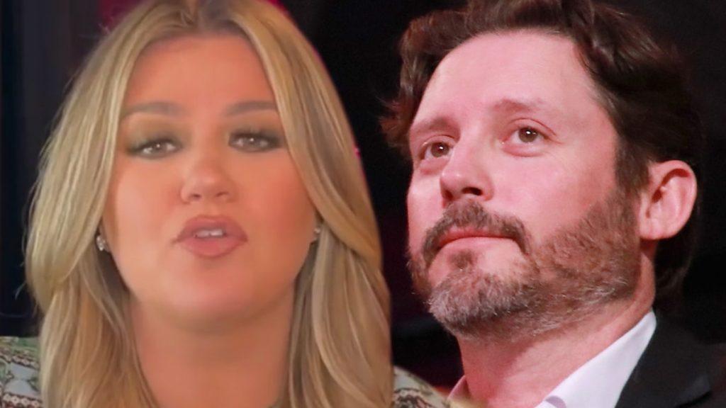Kelly Clarkson Officially Divorced from Brandon Blackstock