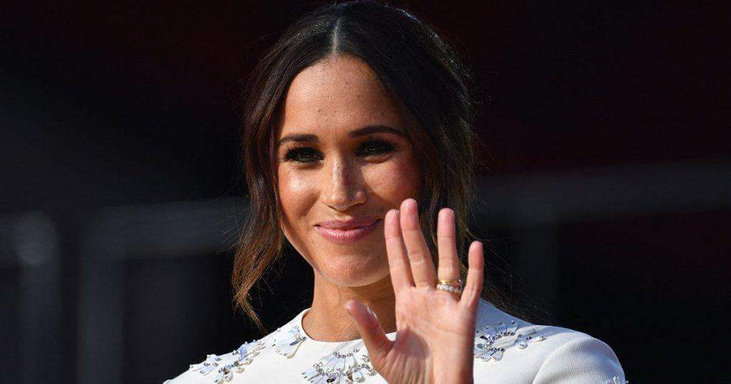 Meghan Markle Just Carried a Modern Iteration of Princess Diana's Most Iconic Purse