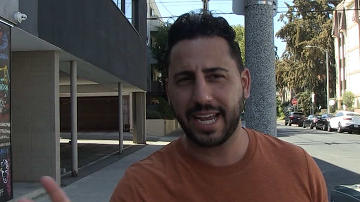 Josh Altman Says Britney Spears Can Move to Hollywood for $25 Million