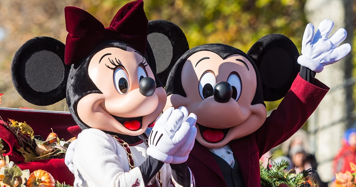 Selfies With Mickey and Minnie Are Back! Read Up on Disney World's New Meet-and-Greet Policies